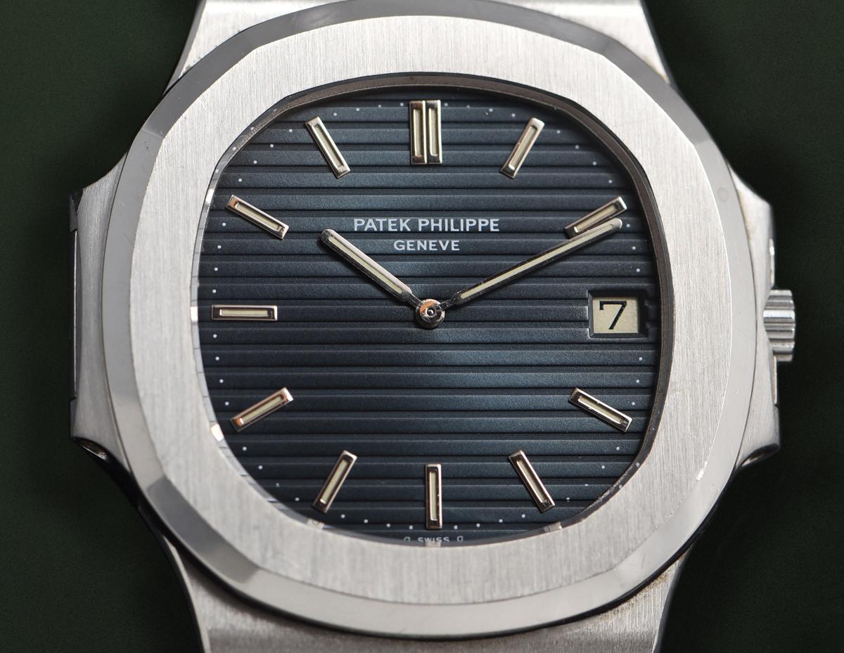 Patek Philippe Nautilus Jumbo Ref. 3700/011